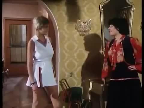 (海外・外国人のエロ) ヨーロッパの古いエロ映画。裸や濡れ場がいっぱい【字幕無し】